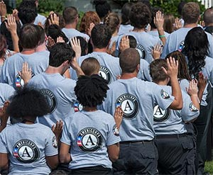 AmeriCorps volunteers taking the pledge